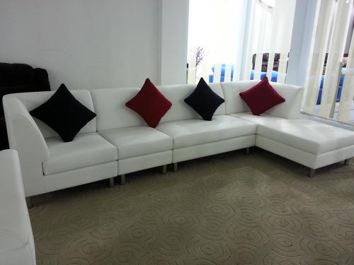 Horizon-sofa.jpg510772ee8a370