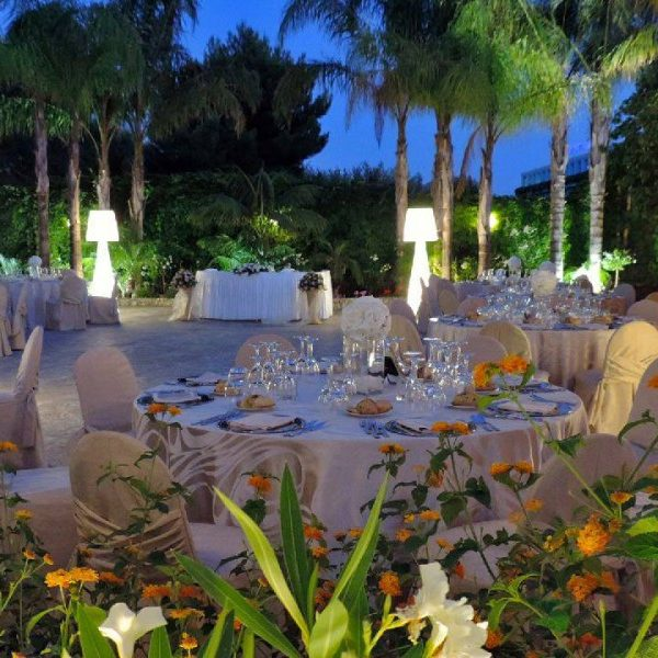 Outdoor-Wedding-Lo-Res-2-820x600