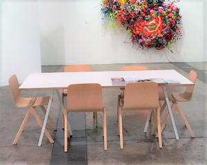 Loop Table, Hay