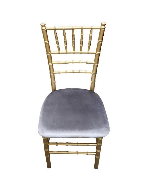 Chiavari chair with velvet seat