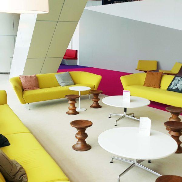 Loop sofa gold 2