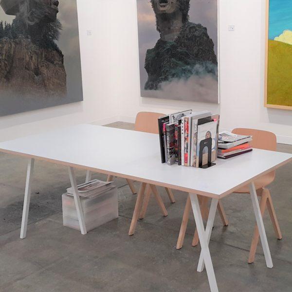 Loop table white