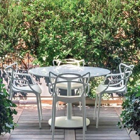 masters-white-chair-round-table