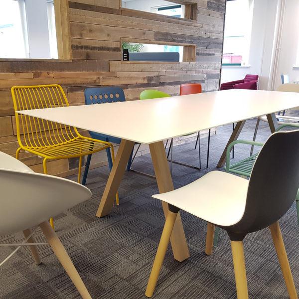 Arki Table wood Amb 3