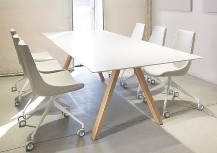 Arki Wood table amb 2