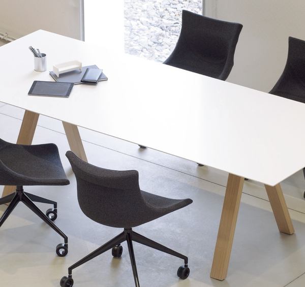 Arki Wood table amb